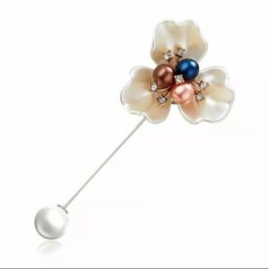 Pearl and Cubic Zirconia Flower Pin